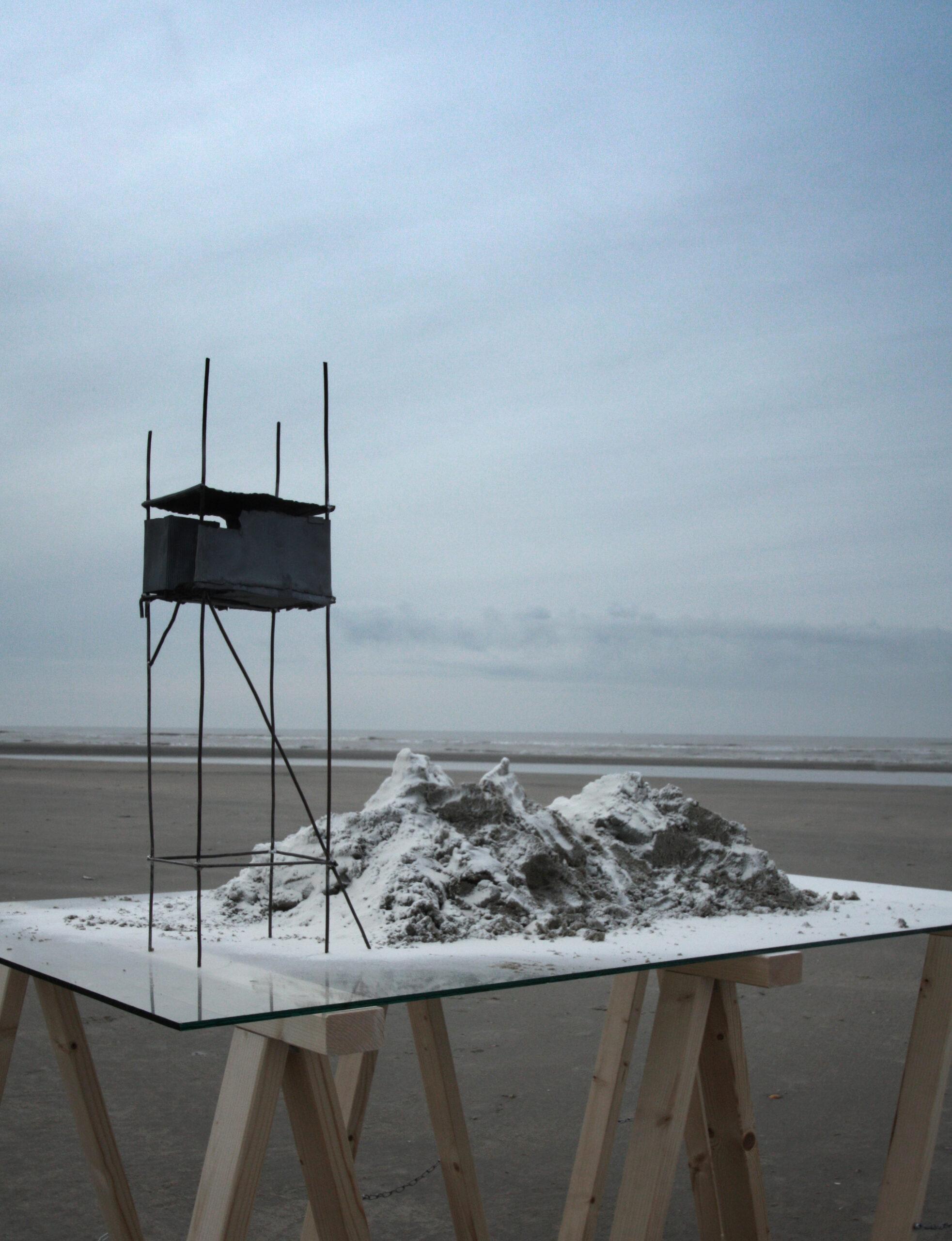 Cages in Landschaft work in Progress